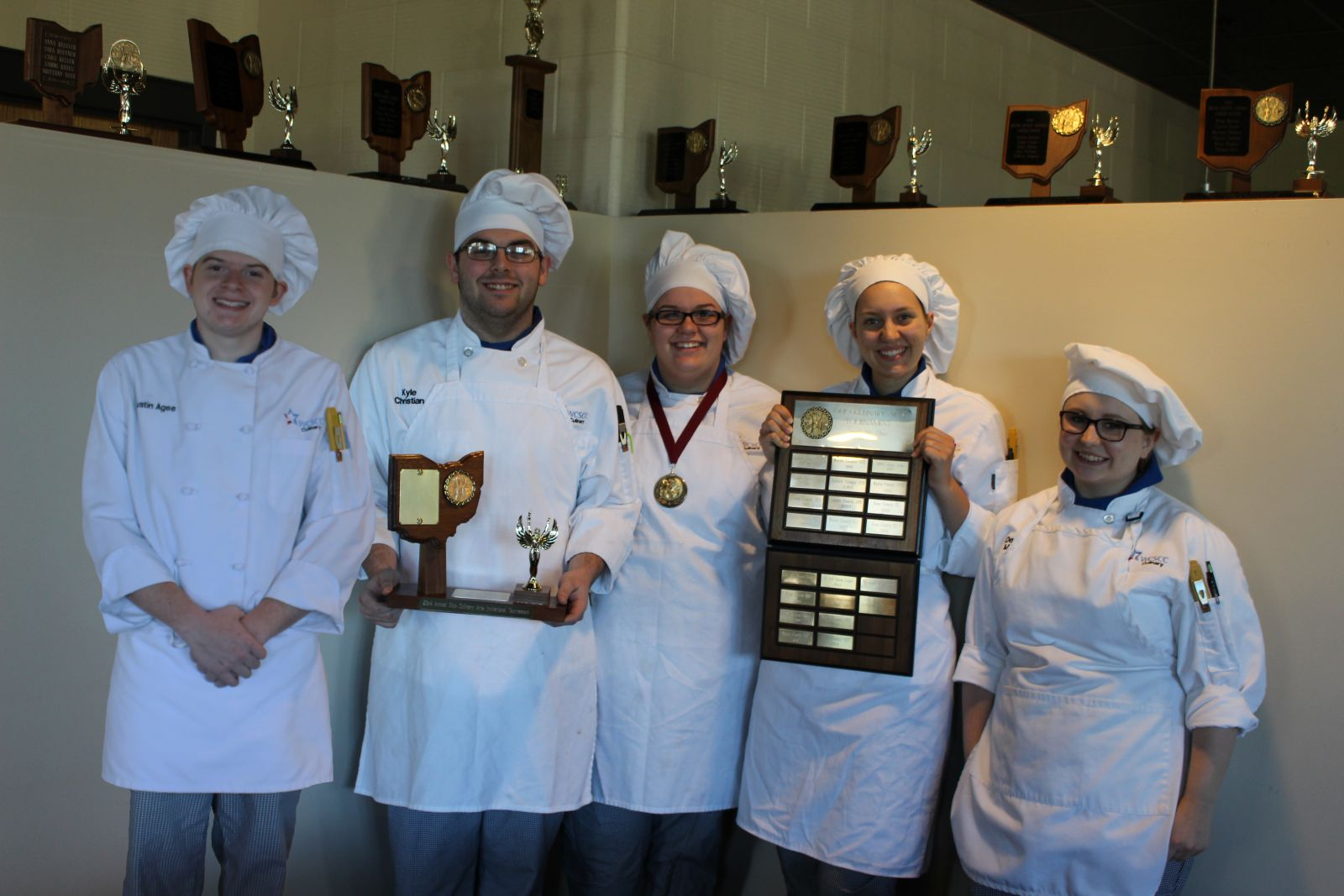 Image of WCSCC Culinary Arts team with awards